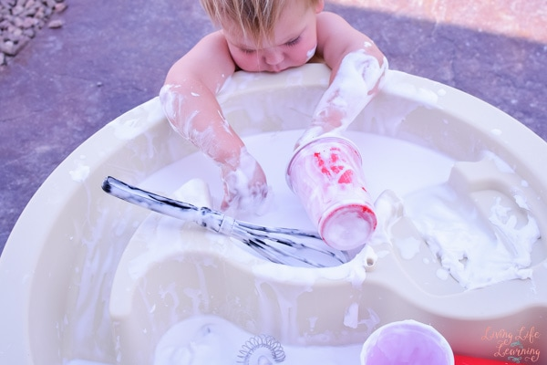 Try this super simple sensory activity that's perfect for sibling play: Shaving Cream Sensory Soup is easy to set up and provides lots of sensory fun for toddlers, preschoolers, and kindergarteners!