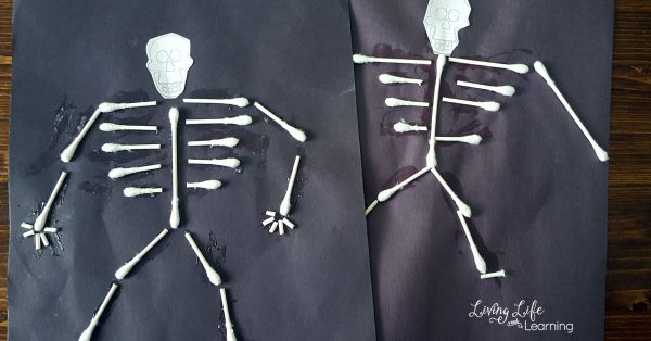 cotton swab skeleton craft
