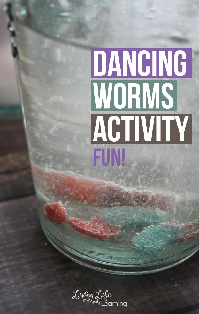 Take a look at this fun Science experiment and activity that kids will really enjoy. This Dancing Worms Activity will integrate both Science and hands-on activities!
