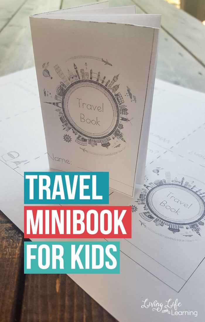 A charming way to capture your child's memories with this fun travel minibook for kids, see what your child thought was the most memorable on your last trip. #ad
