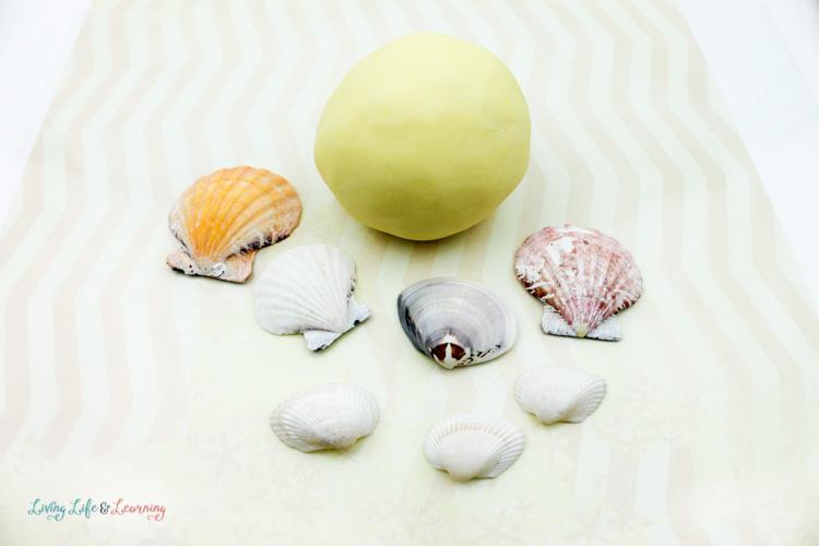 Jello Play Dough Recipe:  Seashell Theme