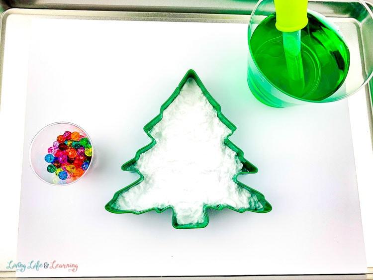 Fizzy Baking Soda Christmas Tree Experiment supplies